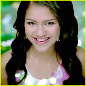 Zendaya: 'Something To Dance For' Video Sneak Peek!