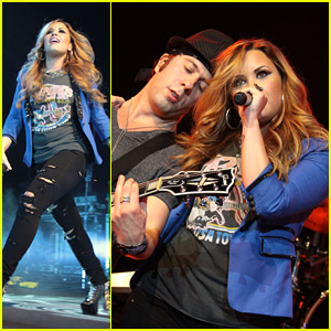 Demi Lovato Rocks Out in Rio!