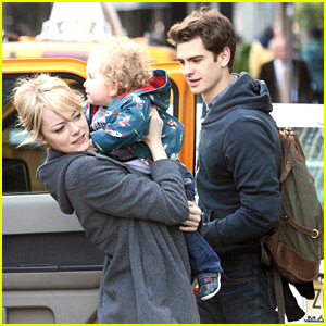 Emma Stone &#038; Andrew Garfield: The 'Amazing' Baby Sitters