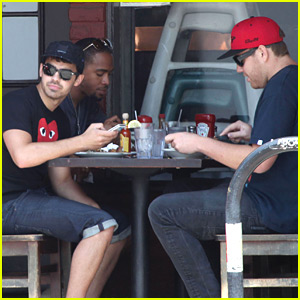 Joe Jonas: Lunch Time in Los Angeles