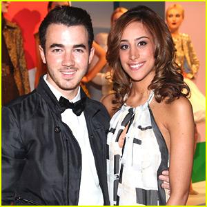 'Married to Jonas': Kevin & Danielle Jonas' New Reality Show!