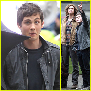 Logan Lerman: Funny Faces on 'Sea of Monsters' Set