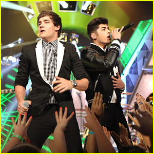 One Direction: Kids Choice Awards 2012 Performance WATCH NOW