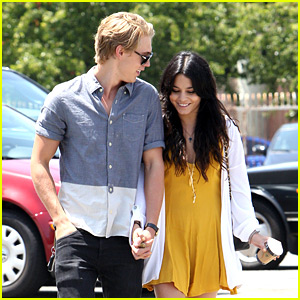 Vanessa Hudgens & Austin Butler: Church Service Sweeties