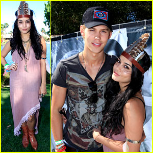 Vanessa Hudgens & Austin Butler: Smoke & Mirrors Party!