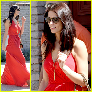 Ashley Greene: Lady in Red!