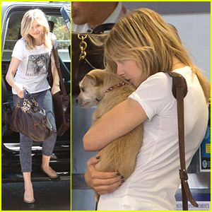 Chloe Moretz & Missy Fly Out of LAX