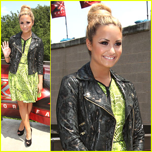 Demi Lovato: X Factor in Texas!