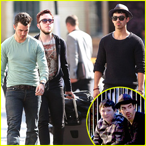 Kevin & Joe Jonas: Pastis Restaurant Lunch