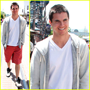 Robbie Amell: Guy at the Grove