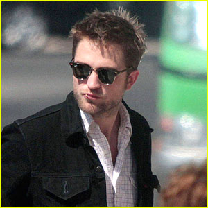Robert Pattinson: Portugal With The Parents!