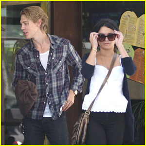 Vanessa Hudgens & Austin Butler: Newsroom Cafe Couple