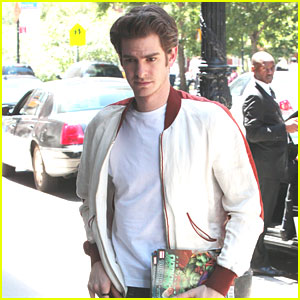 Andrew Garfield: Comic Book Lover!