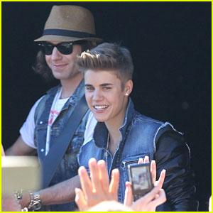 Justin Bieber: Surprise Concert!