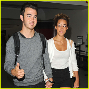 Kevin Jonas & Danielle Leave Los Angeles