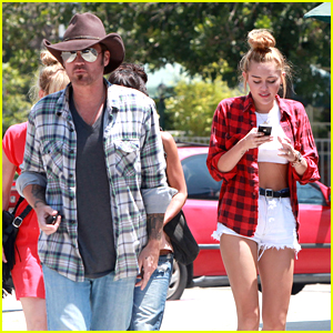 Miley Cyrus: Paty's Lunch with Dad Billy Ray!