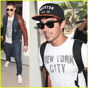 Nick & Joe Jonas: Big Apple Bound