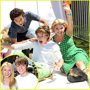 Stefanie Scott & Peyton List: 'A Time For Heroes' Picnic Pair