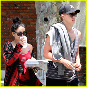 Vanessa Hudgens & Austin Butler: Kings Road Cafe Couple