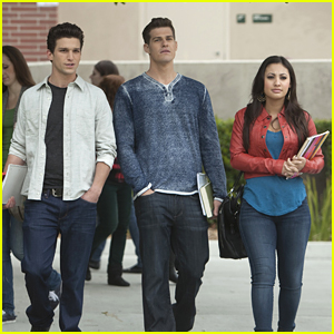Francia Raisa Daren Kagasoff First Day Of College On Secret Life Daren Kagasoff Francia Raisa Greg Finley Shailene Woodley The Secret Life Of The American Teenager Just Jared Jr #darren kagasoff #the secret life of the american teenager. just jared jr