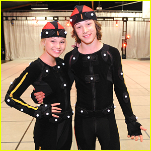 Leo Howard & Olivia Holt: Video Game Battle! (Exclusive Pics!)