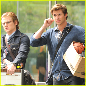Liam Hemsworth &#038; Lucas Till: 'Paranoia' Set!