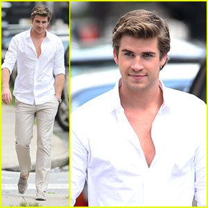 Liam Hemsworth: Scene Stealer at Teen Choice Awards 2012
