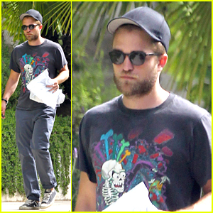 Robert Pattinson Wore Wig For 'Breaking Dawn Part 2' Re-Shoots