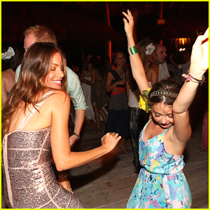Sarah Hyland & Matt Prokop: Happy Birthday Sofia Vergara!
