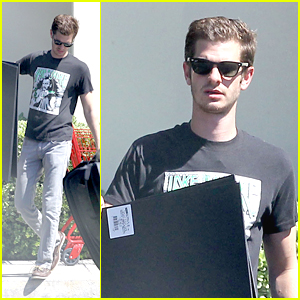 Andrew Garfield: Spider-Man Gets Crafty