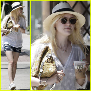 Dakota Fanning: Le Pain Quotidien Sweetie