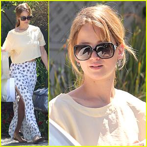 Jennifer Lawrence: Bags in Brentwood