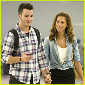 Kevin &#038; Danielle Jonas: 'Married To Jonas' Premieres TONIGHT
