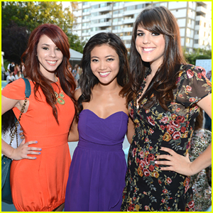 Molly Tarlov & Jillian Rose Reed: Seventeen Mag Gets 'Awkward'