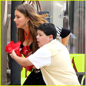 Rico Rodriguez: 'Modern Family' Set!