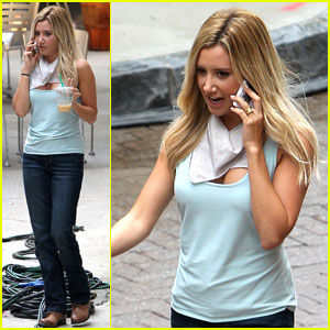 Ashley Tisdale: 'Scary Movie' 5 Starbucks Run!