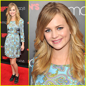 Britt Robertson: Fashion's Night Out with Tommy Hilfiger