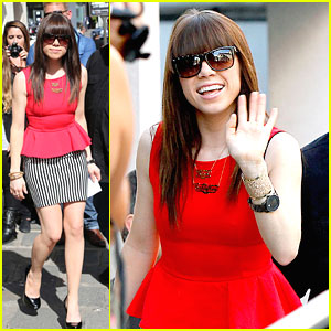 Carly Rae Jepsen: Peplums in Paris
