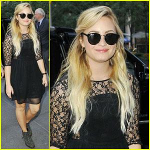 Demi Lovato: 'Late Night With Jimmy Fallon' Fashionista