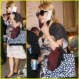 Dianna Agron: Off to Paris!