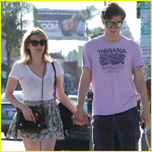 Emma Roberts & Evan Peters: Melrose Avenue Shoppers!