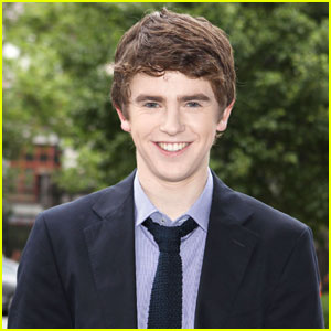 Freddie Highmore Lands The Role of  Serial-Killer-To-Be on 'Bates Motel'