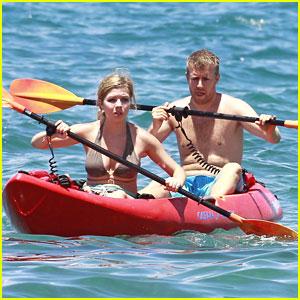 Jennette McCurdy: Kayaking Cutie