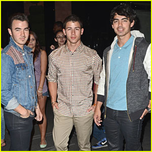 The Jonas Brothers: Dinner With Danielle