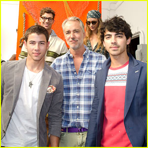 Nick &#038; Joe Jonas: Gant by Michael Bastian Presentation