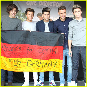 One Direction: Signing in Germany!