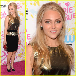 AnnaSophia Robb: 'The Carrie Diaries' at New York Television Festival 2012!