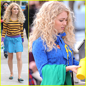AnnaSophia Robb: Mustard Mishap on 'The Carrie Diaries'