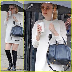 Dakota Fanning: Umbrella Outing in NYC