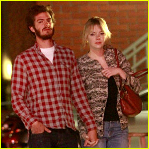 Emma Stone: Tavern Dinner with Andrew Garfield!